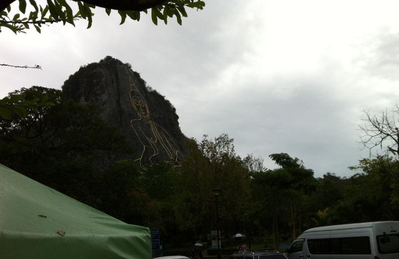 タイ サタヒップ カオシーチャン大仏壁画に行った